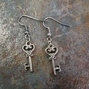 Nwot Key Earrings